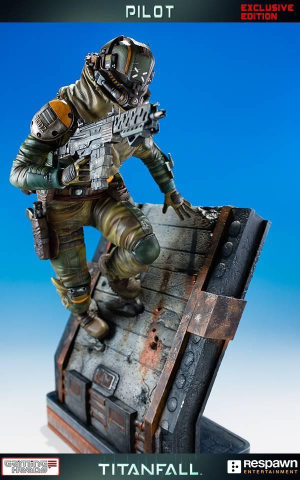 titanfall statue 4